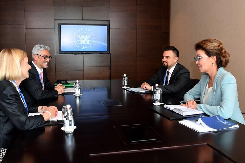 Дарига Назарбаева встретилась с руководством телепрограммы «Дохийские дебаты»