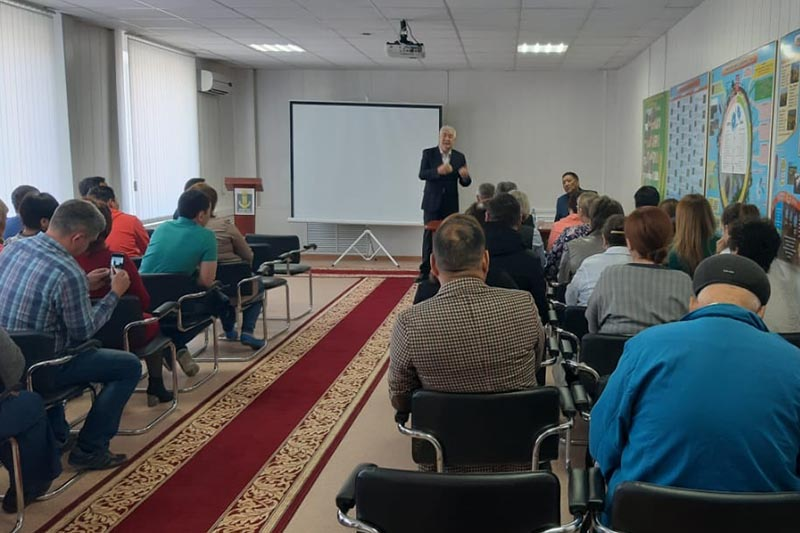 Presidential candidate Kossanov holds meeting in Kostanay region