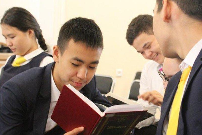 Трудоустройством подростков в летнее время занялись в Павлодаре