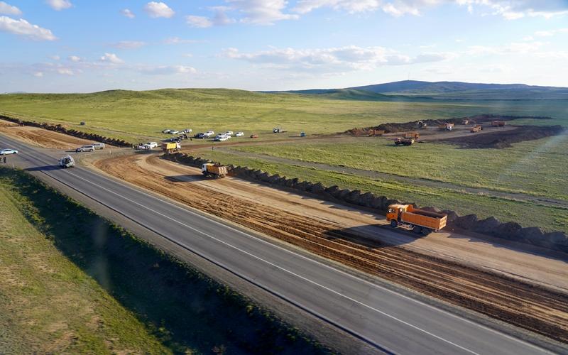 Kazakh PM surveys large infrastructure projects realization progress