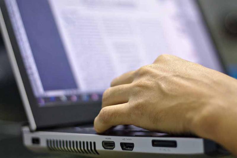 Интернет-мошенник снял 2 млн тенге с депозита жительницы СКО
