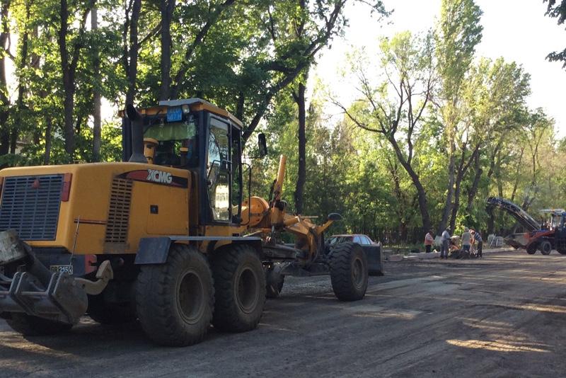 За ремонт проблемных дорог взялись в Таразе