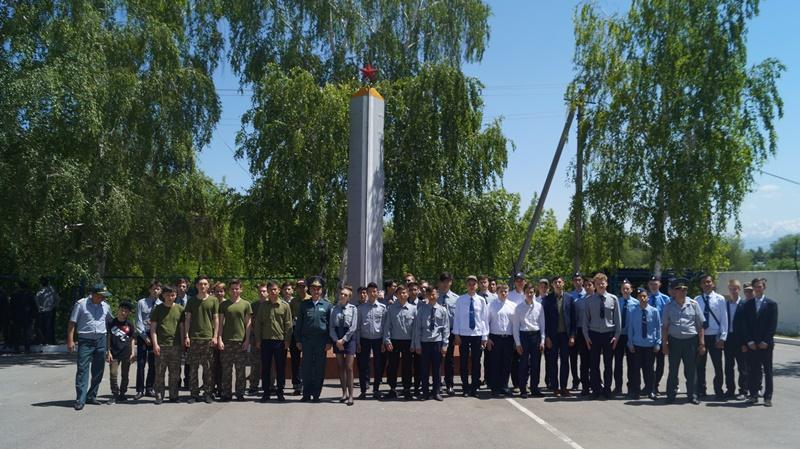 Алматинская авиабаза распахнула свои двери для старшеклассников