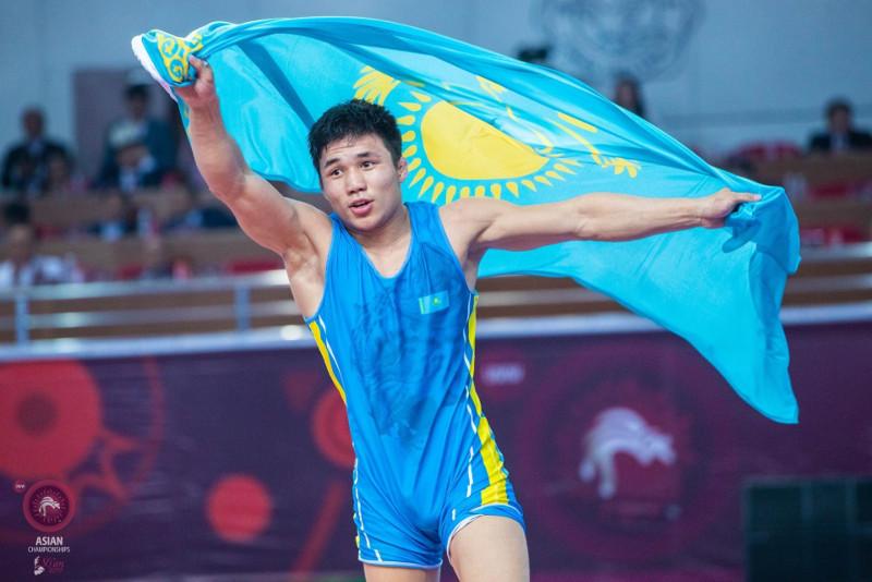 Семь медалей завоевали казахстанские вольники на турнире в Италии