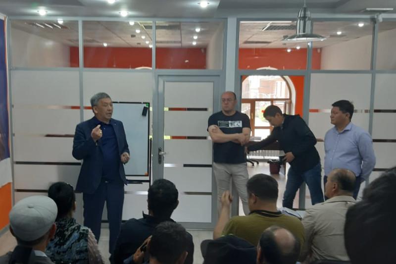 В штабе Амиржана Косанова прошел обучающий семинар для наблюдателей