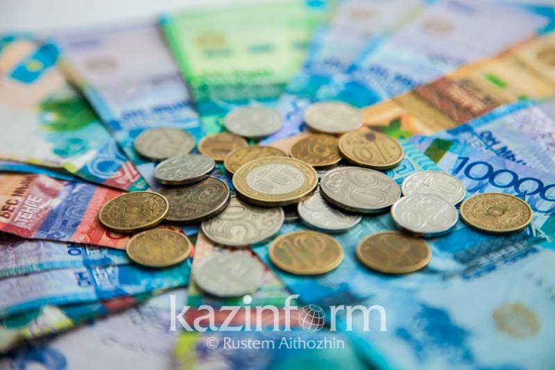 2,2 трлн тенге находилось в наличном обращении в Казахстане в апреле
