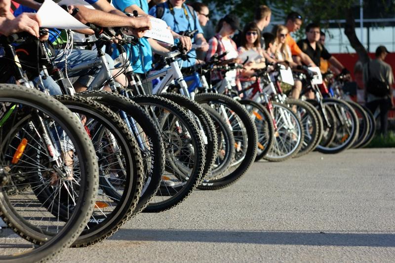 Presidential candidate Rakhimbekov takes part in bicycle marathon in Nur-Sultan