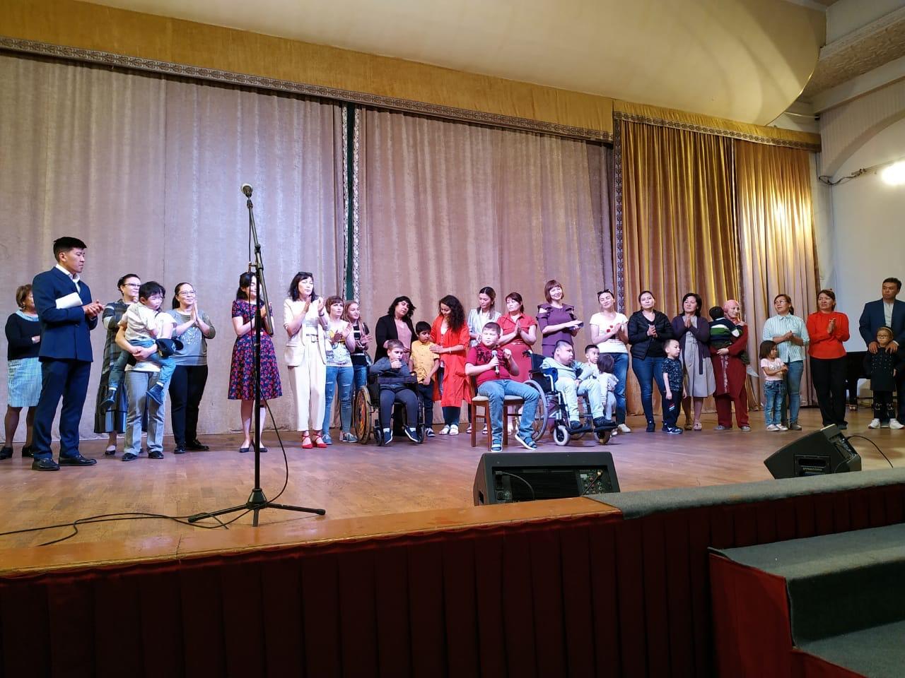 Концерт в поддержку детей с мышечной дистрофией прошёл в Алматы