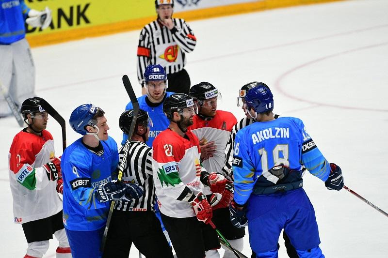 Казахстанские хоккеисты вернулись в «элиту» рейтинга IIHF