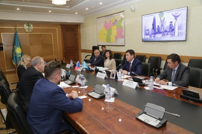 Аким Карагандинской области встретился с послом Чехии