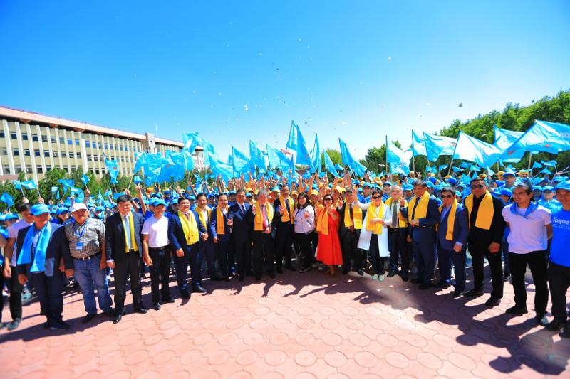 Штаб Касым-Жомарта Токаева провел встречи в Туркестанской области