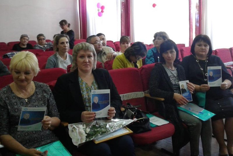 Reps of presidential candidate Amangeldy Taspikhov meet with citizens