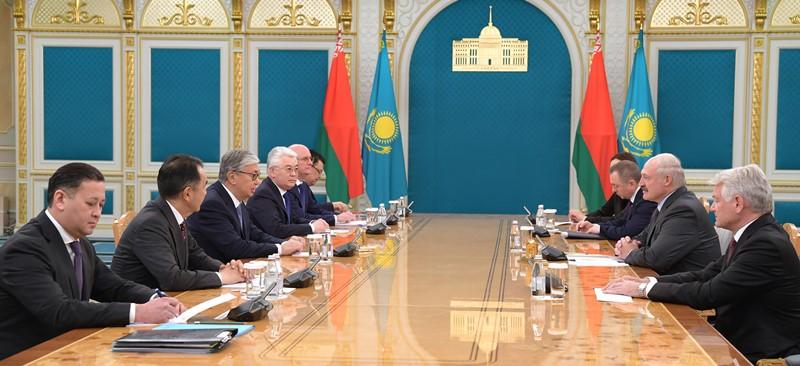 托卡耶夫总统会见白俄罗斯总统卢卡申科