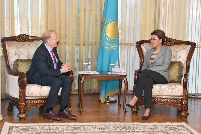 Senate Speaker, U.S. Ambassador discuss prospects of trade and economic cooperation