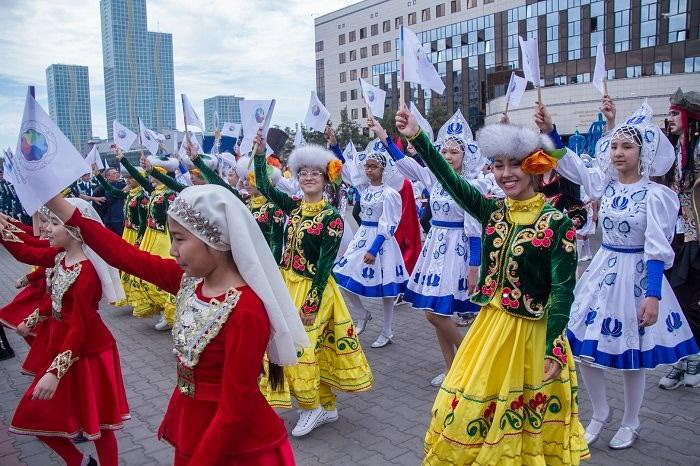 Восемь тысяч детей споют на параде оркестров новую песню о столице