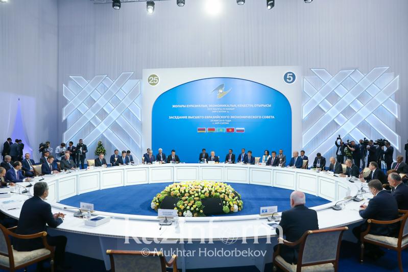 纳扎尔巴耶夫建议欧亚经济联盟各成员国联合生产民用飞机