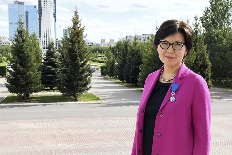Казахстанского дипломата наградили национальным орденом Франции