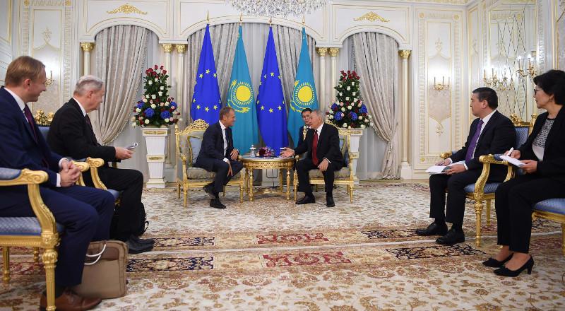 纳扎尔巴耶夫会见欧洲理事会主席图斯克