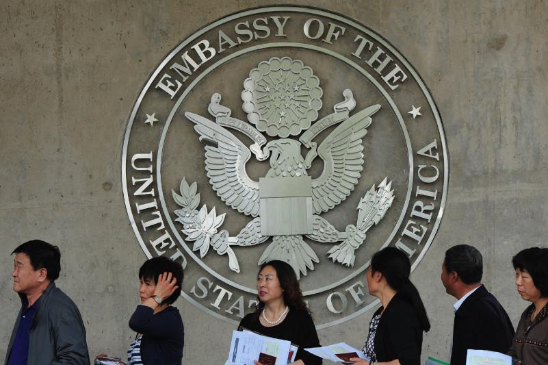 美国要求签证申请者提供社交媒体账号