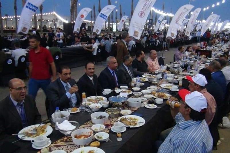 Самый длинный стол на Рамазан официально внесли в Книгу рекордов Гиннесса