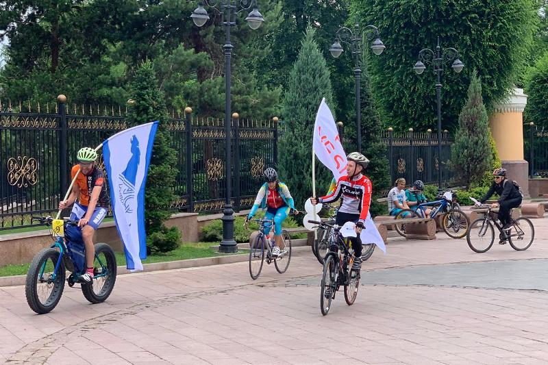 В Алматы прошел велопробег в поддержку Дании Еспаевой