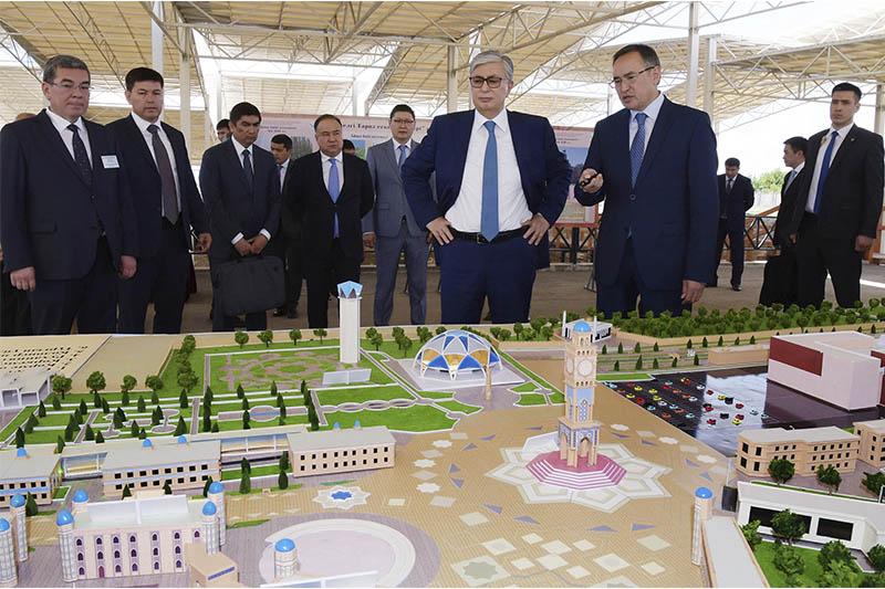 """哈萨克斯坦总统视察""""古塔拉兹""""考古遗址公园"""