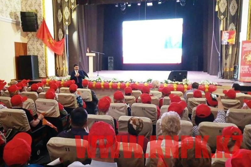 Жамбыл Ахметбеков встретился с жителями Семея
