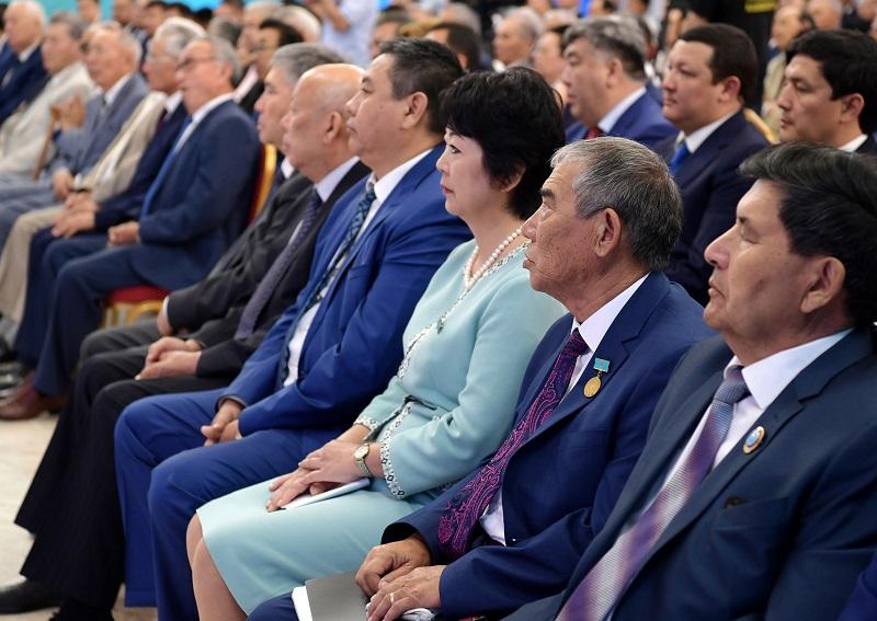托卡耶夫总统会见阿特劳群众代表