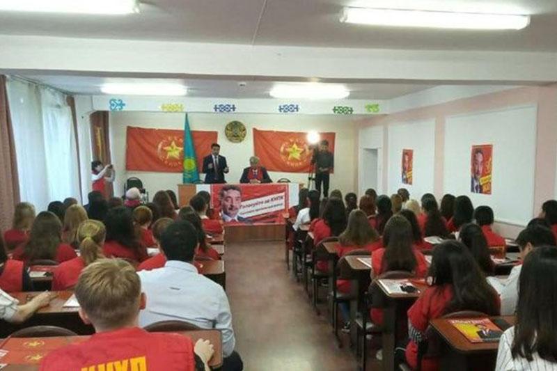 Presidential candidate Zhambyl Akhmetbekov holds meeting in Oskemen