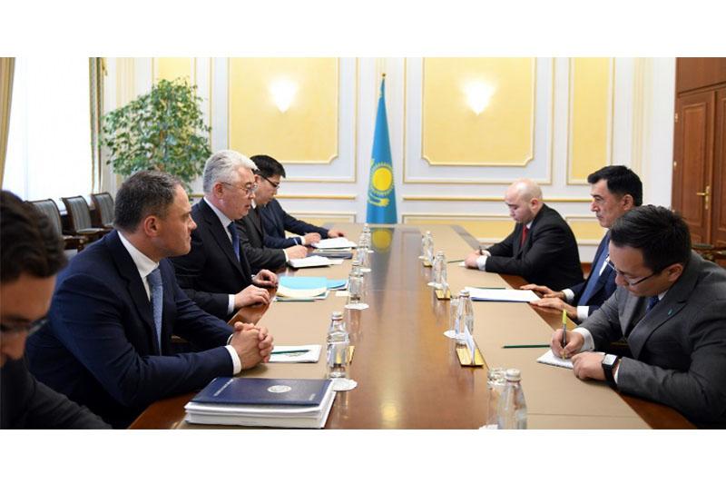 哈萨克斯坦外长会见上合组织观察员团团长