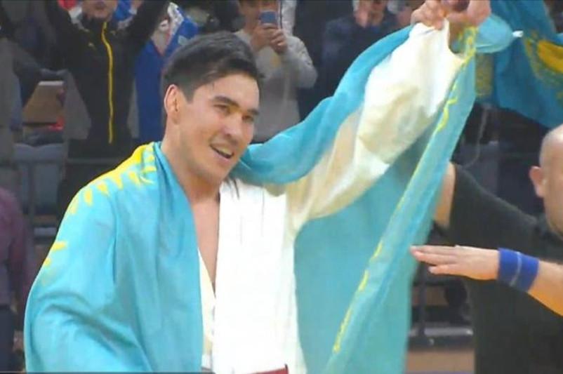 Елбасы поздравил Нурсултана Бекбатшаева с победой на ЧМ по рукопашному бою