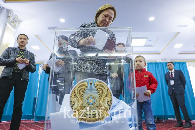 哈萨克斯坦选民的投票积极性给俄罗斯观察员留下了深刻映像