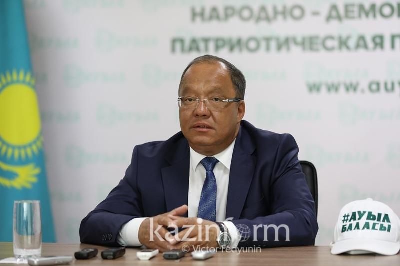 Толеутай Рахимбеков поздравил победившего по результатам exit poll Касым-Жомарта Токаева
