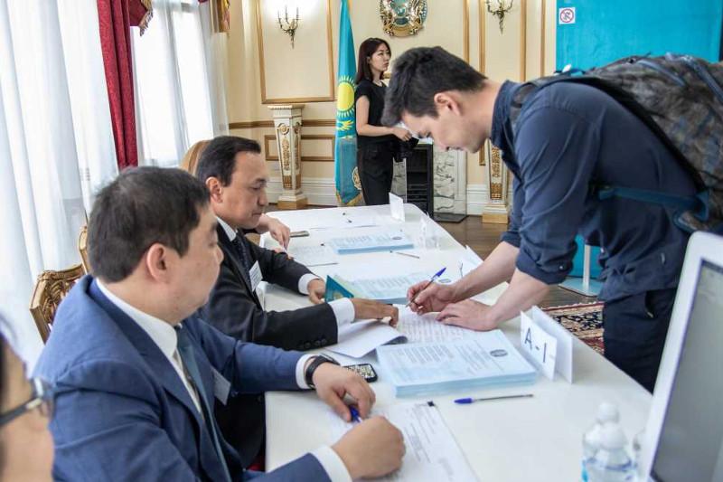 共有441名哈国公民在伦敦参加总统大选投票