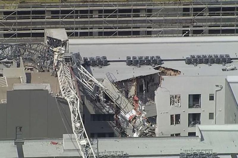 美国达拉斯市起重机倒塌砸中公寓楼 致1死6伤