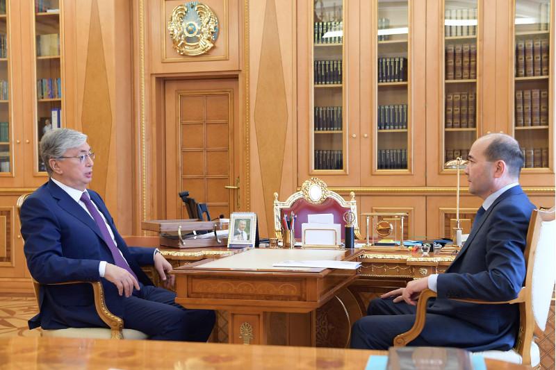 قازاقستان پرەزيدەنتى باس پروكۋرور عيزات نۇرداۋلەتوۆتى قابىلدادى