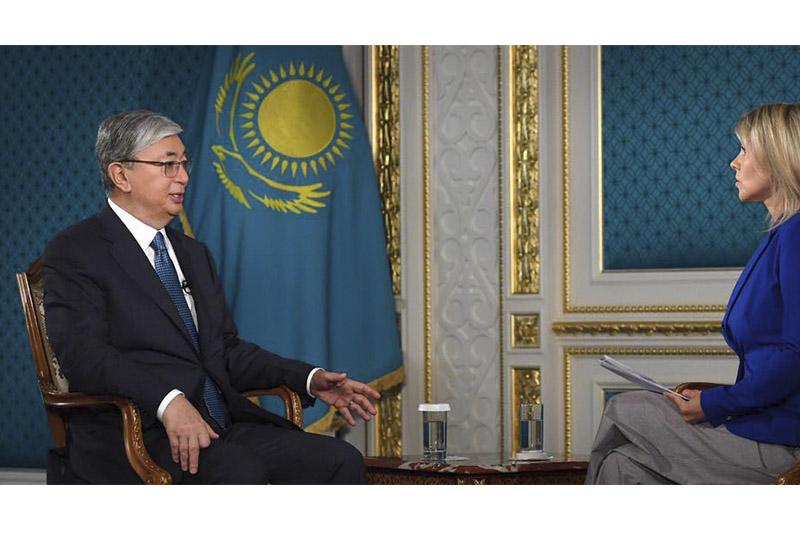 托卡耶夫总统接受欧洲新闻台和华尔街日报专访