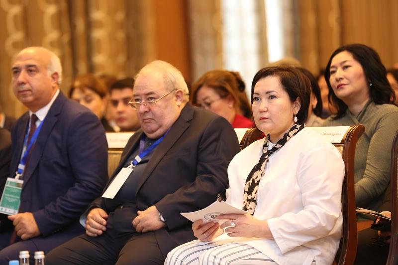 Международный симпозиум по изучению тюркского мира проходит в Баку