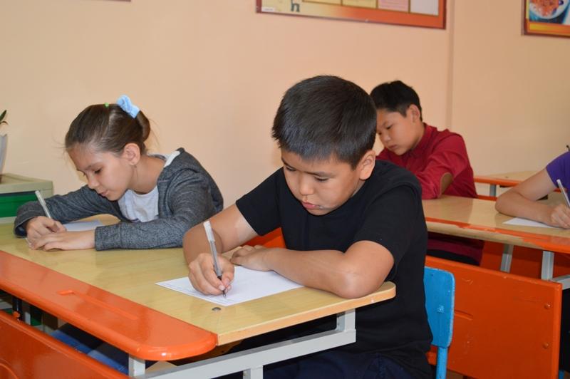 Карагандинские школьники поддержали акцию «Письмо солдату»