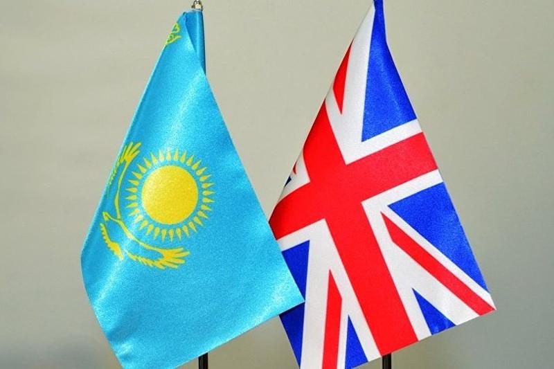 Законодательный опыт Казахстана и Великобритании сравнил Марат Бекетаев