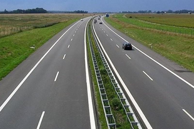 4,4 тысячи км автодорог реконструируют в Казахстане до конца года