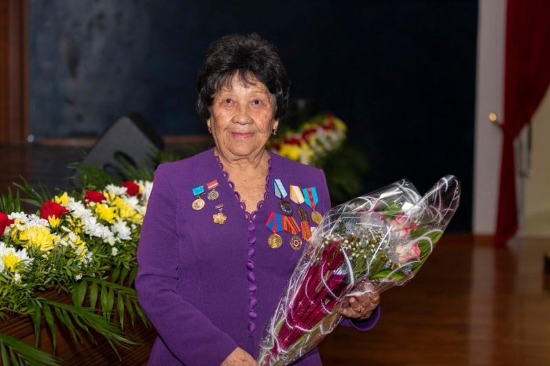 Лучших работников здравоохранения наградили в Восточном Казахстане