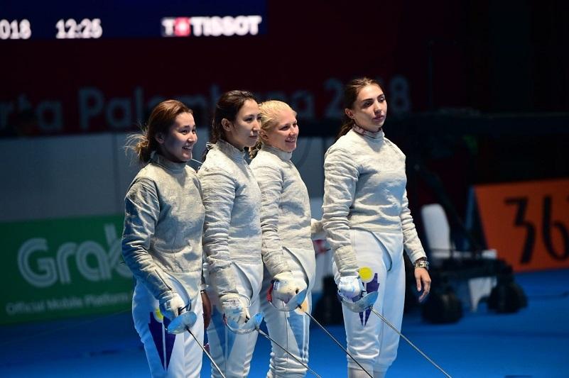 ЧА по фехтованию: женская команда Казахстана стала бронзовым призером