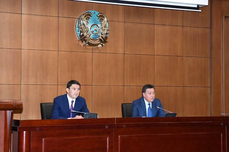 Сұлтанов пен Мырзағалиев жаңа министрліктердің ұжымымен танысты