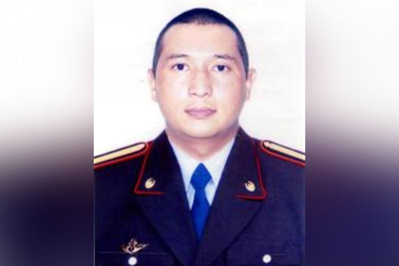 Память павшего от рук преступников героя-полицейского почтили в Алматинской области