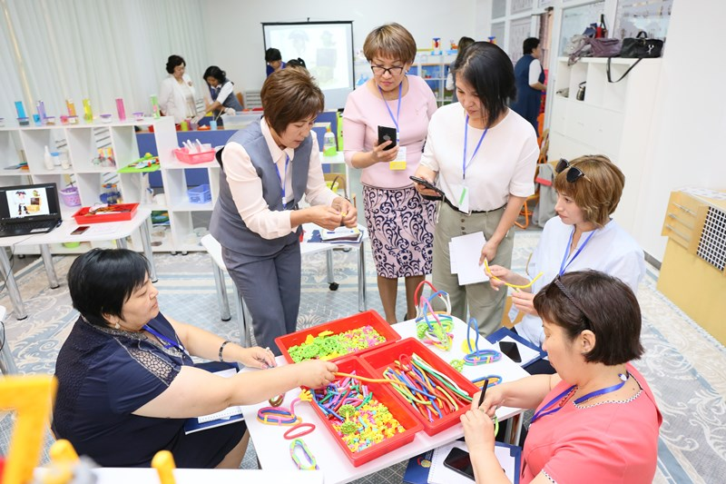 Kazakhstan's preschools educators learn innovative education techniques