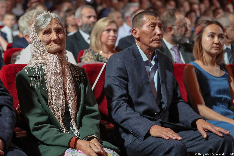 Президент Польши наградил казахстанца за спасение депортированной семьи