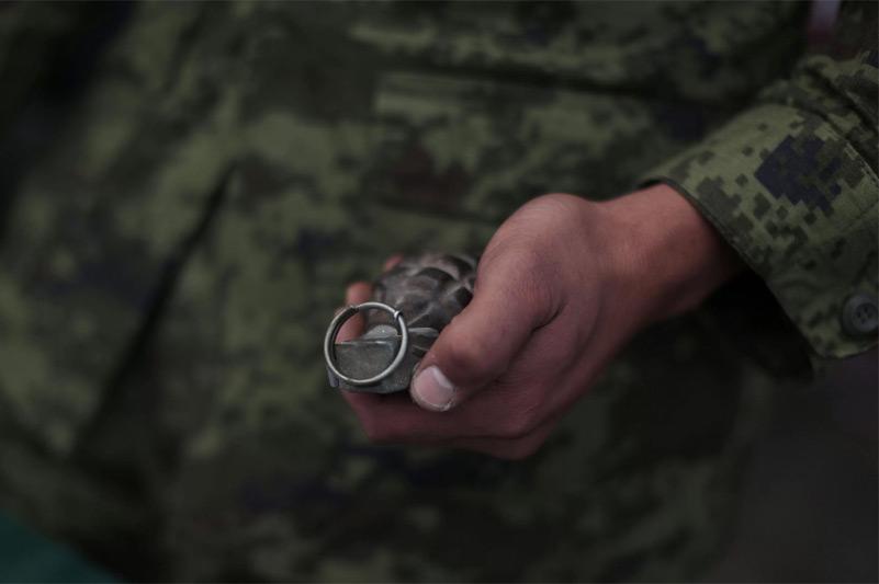 Офицер Погранслужбы КНБ РК спас солдата от разрыва гранаты