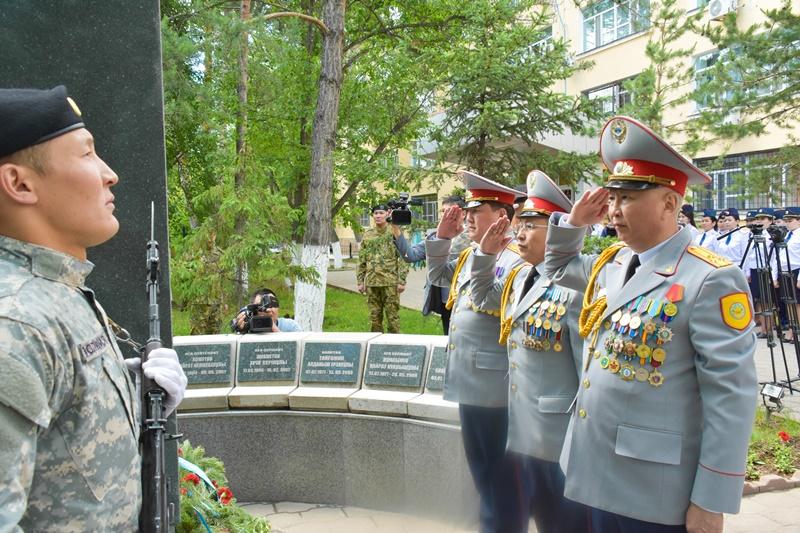 Карагандинские полицейские отметили 27-летие казахстанской полиции