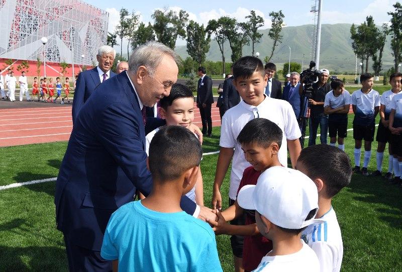 Нурсултан Назарбаев открыл спорткомплекс «Үшқоңыр» в Шамалгане